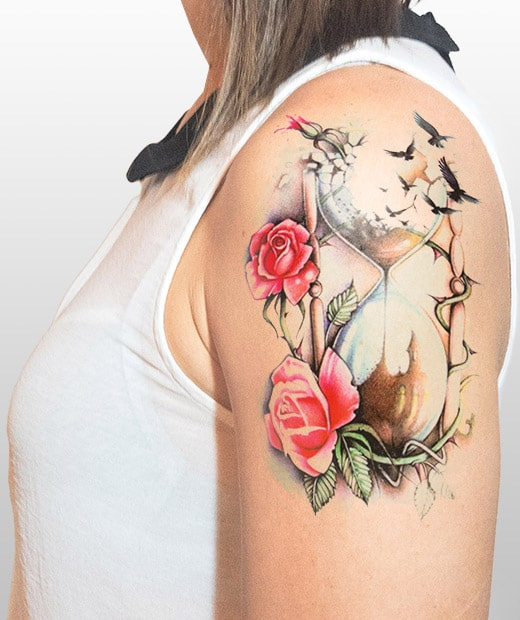 77f432fda Tatuaje temporal reloj arena y rosas | Feel Tattoo