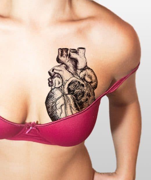 tatuaje temporal corazon realista modelo feel tattoo
