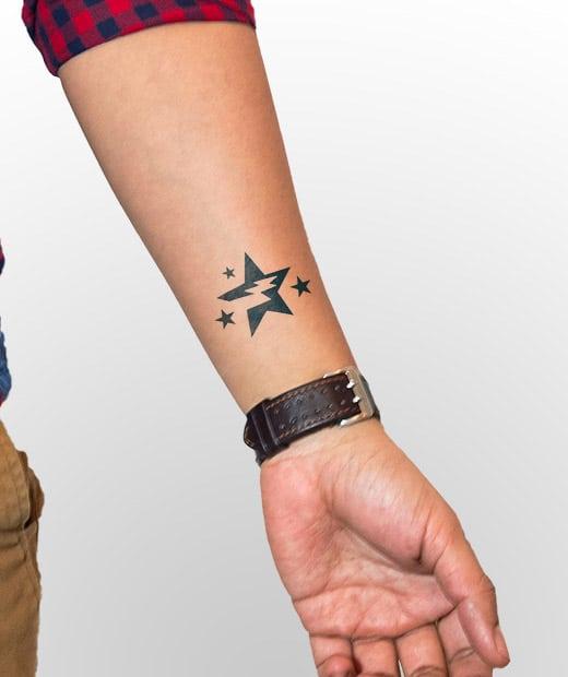 tatuaje temporal estrella modelo feel tattoo