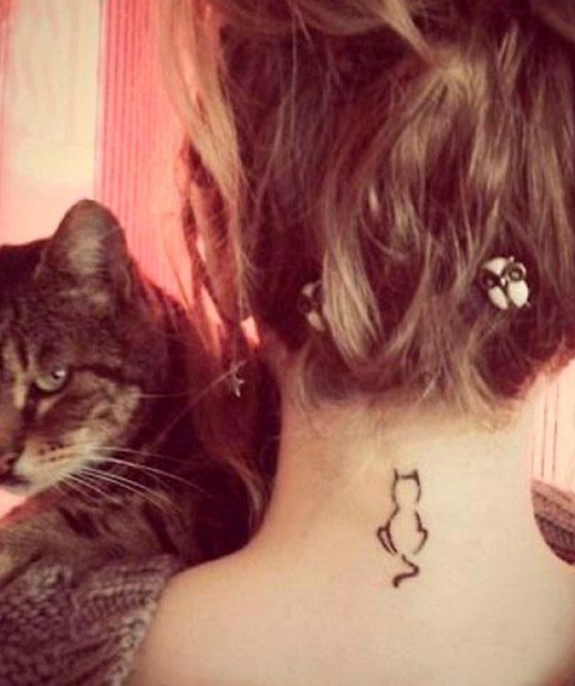 tatuaje temporal gatito espalda modelo feel tattoo