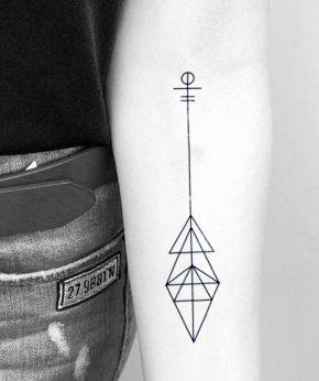 tatuaje temporal geometric direction modelo feel tattoo