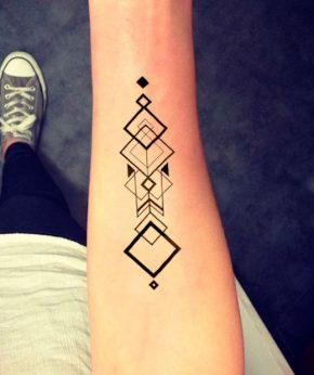 tatuaje temporal magna geometric modelo feel tattoo