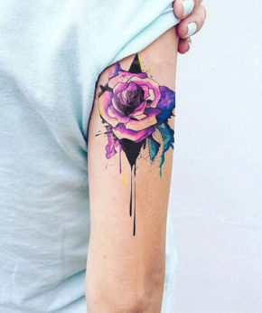 tatuaje temporal rosa acrilica modelo feel tattoo