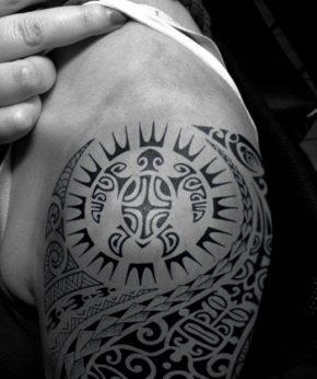 tatuaje temporal tortuga solar modelo feel tattoo